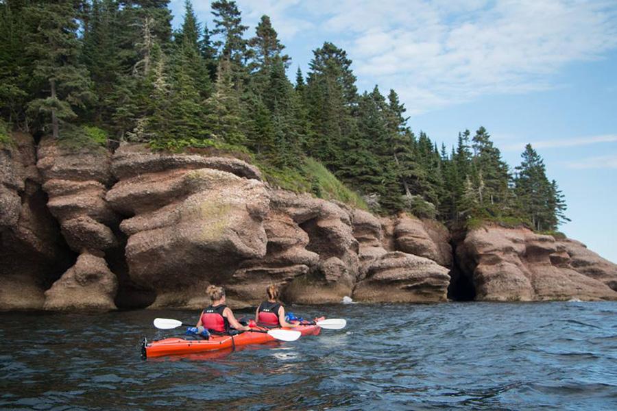 Avolo Plein air | Kayak de mer | Percé Québec | Grottes |